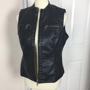Baccini Black Vest Faux Leather Zip up M